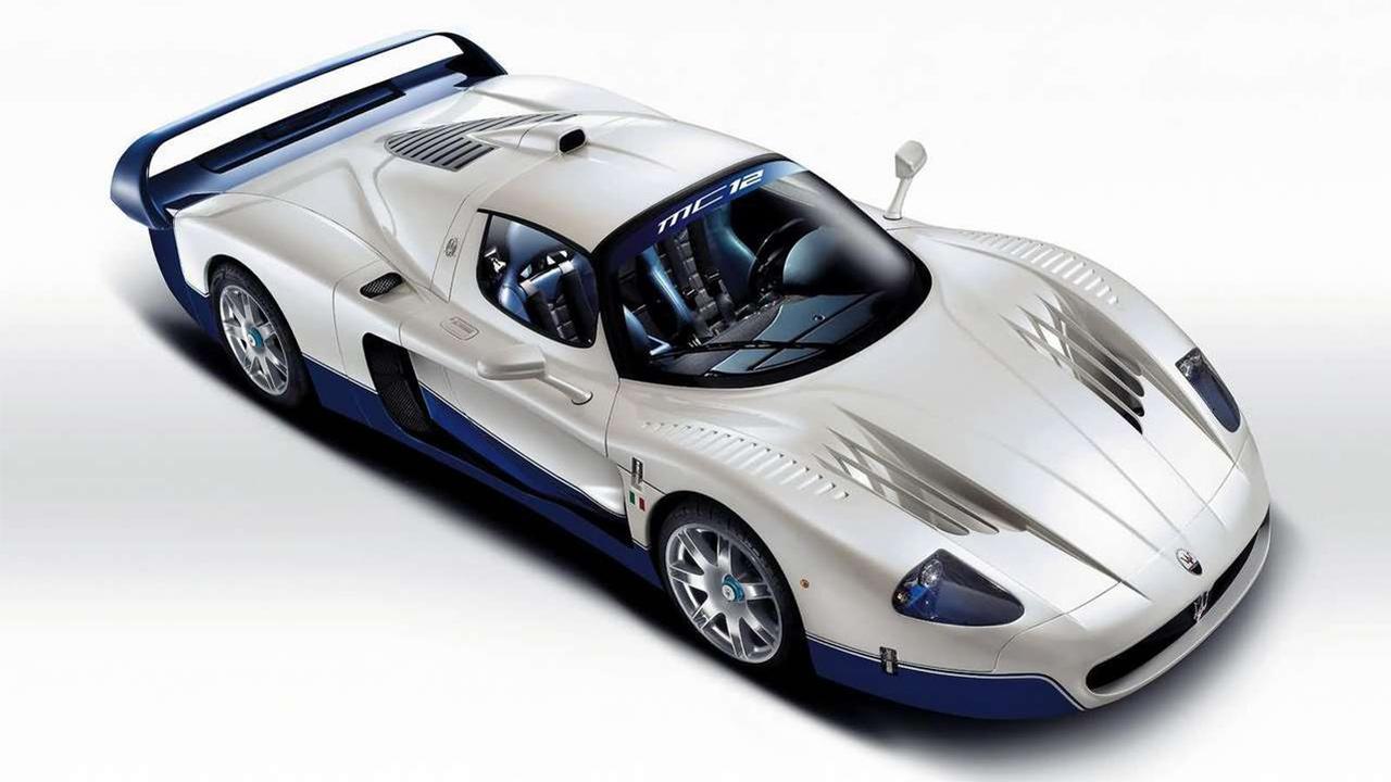 coches de neymar Maserati mc12