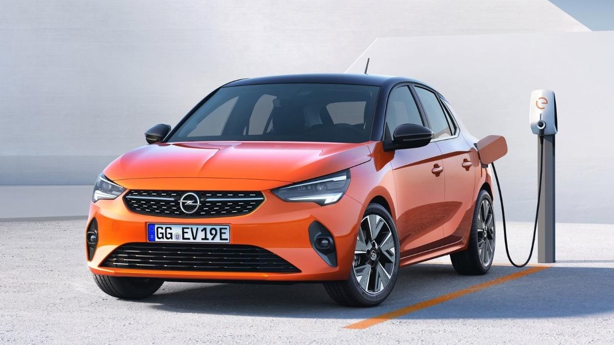 Opel Corsa o Peugeot 208 frontal