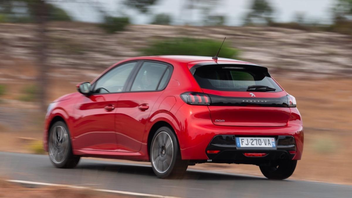 Opel Corsa o Peugeot 208 trasera