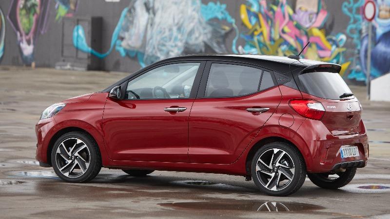 Prueba Hyundai i10 2020 lateral trasera