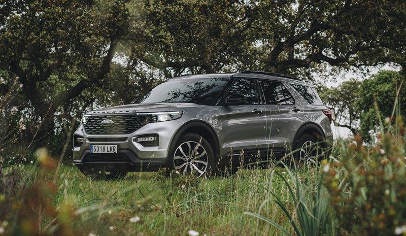 prueba del Ford Explorer híbrido 2021