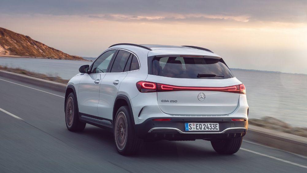 Prueba Mercedes EQA 2021 trasera