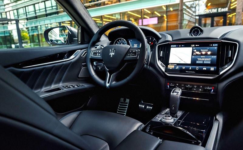 Interior Maserati Ghibli Hybrid