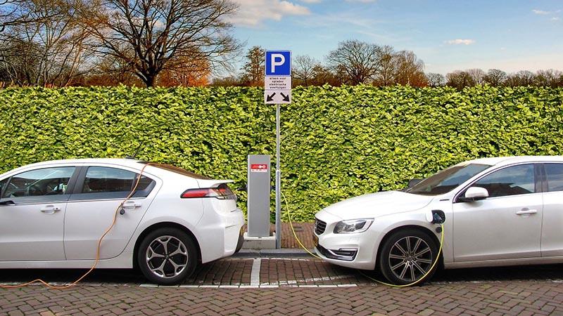 cuánto cuesta cargar coche eléctrico