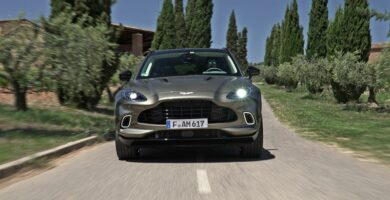 Prueba del Aston Martin DBX 2021